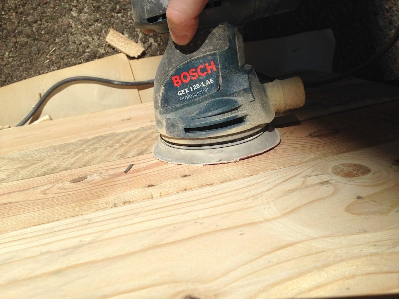 sanding pallet wood down
